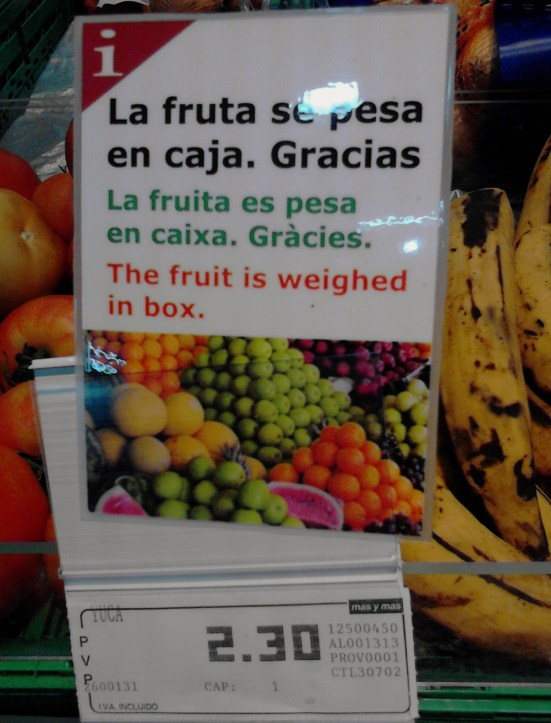 """La fruta se pesa en caja. Gracias."" has been badly translated to ""The fruit is weighed in box"". It should refer to the checkout!"